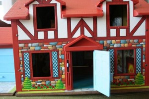 Vintage Little People doll house from Fisher-Price