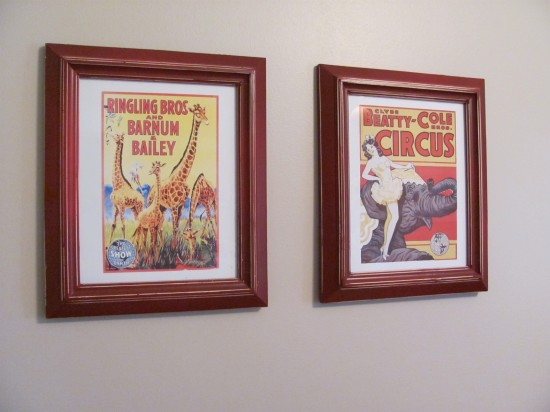 framed-circus-posters