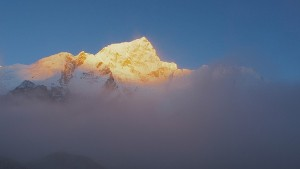 Everest Storm Rolling In