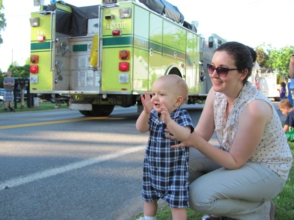 Clapping at fire trucks